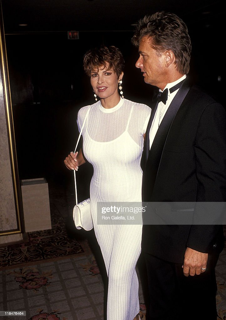 Actress Raquel Welch and boyfriend Robert Moore attend the American Cancer Society's Allan K. Jonas Life Achievement Award Salute to Loni Anderson and Burt Reynolds on October 16, 1991 at Century Plaza Hotel in Los Angeles, California.