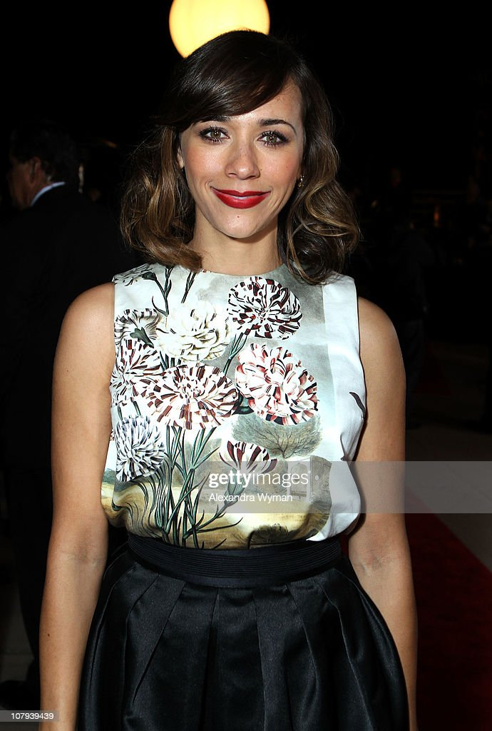 Actress <a gi-track='captionPersonalityLinkClicked' href=/galleries/search?phrase=Rashida+Jones&family=editorial&specificpeople=2133481 ng-click='$event.stopPropagation()'>Rashida Jones</a> arrives at the 22nd Annual Palm Springs International Film Festival Awards Gala at the Palm Springs Convention Center on January 8, 2011 in Palm Springs, California.