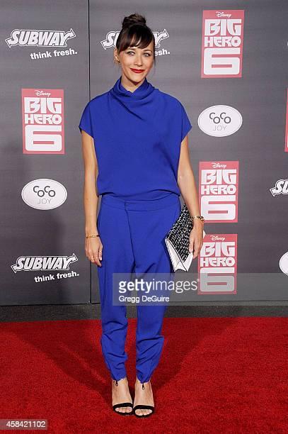 Actress Rashida Jones arrives at the Los Angeles premiere of Disney's 'Big Hero 6' at the El Capitan Theatre on November 4 2014 in Hollywood...