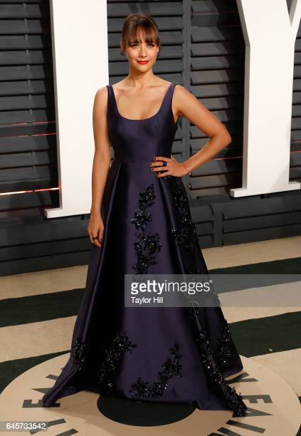 Actress Rashida Jones attends 2017 Vanity Fair Oscar Party Hosted By Graydon Carter at Wallis Annenberg Center for the Performing Arts on February 26...