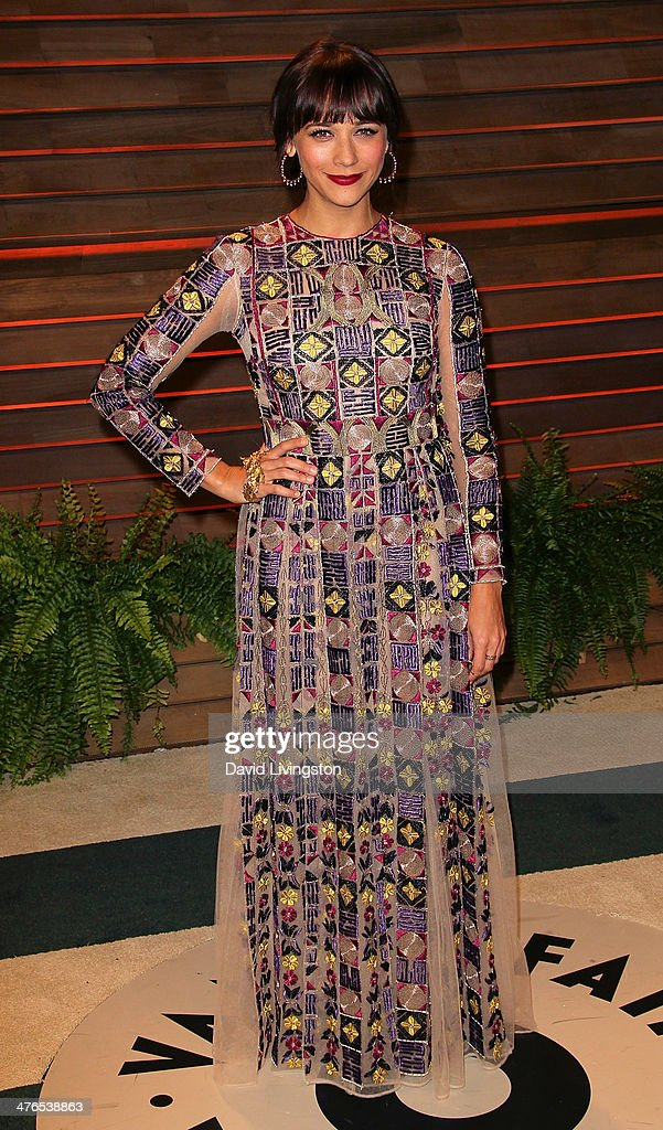Actress Rashida Jones attends the 2014 Vanity Fair Oscar Party hosted by Graydon Carter on March 2, 2014 in West Hollywood, California.