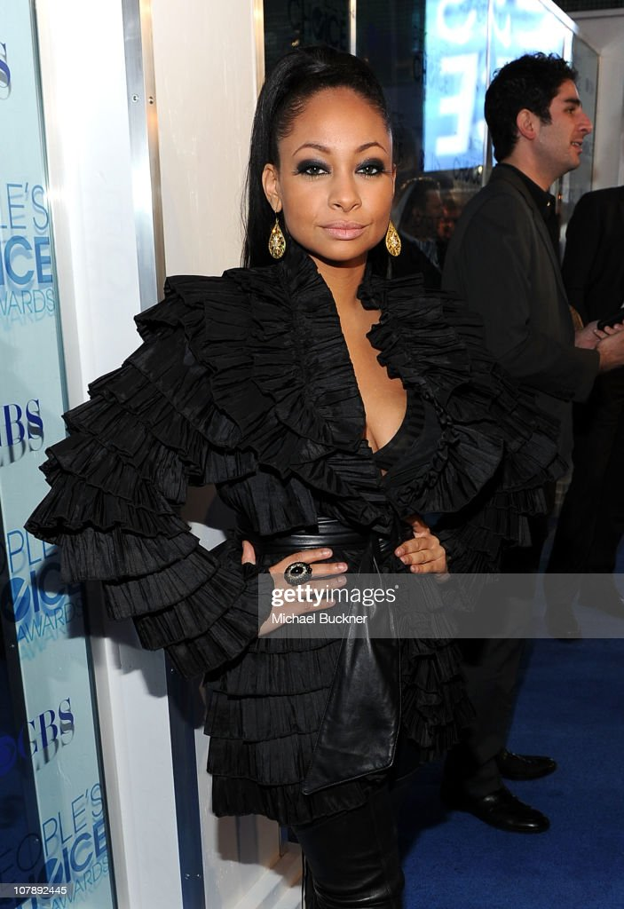 Actress Raven-Symone arrives at the 2011 People's Choice Awards at Nokia Theatre L.A. Live on January 5, 2011 in Los Angeles, California.
