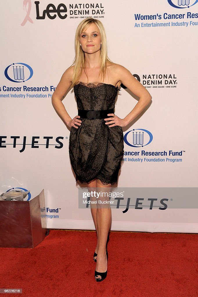 Actress Reese Witherspoon arrives at An Unforgettable Evening Benefiting EIF's Women's Cancer Research Fund at Beverly Wilshire Four Seasons Hotel on January 27, 2010 in Beverly Hills, California.