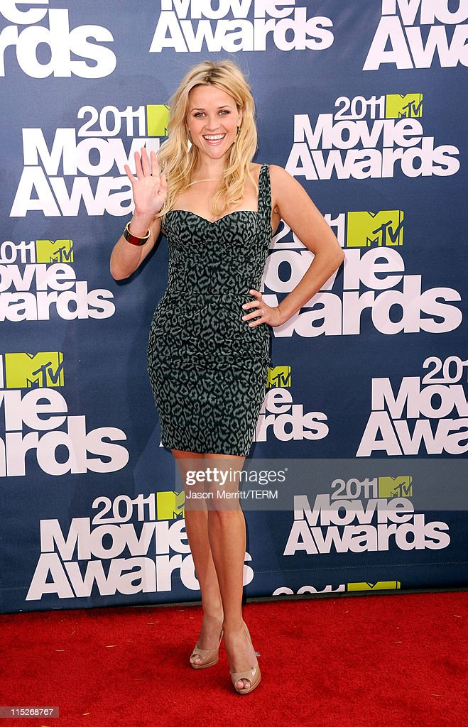 Actress Reese Witherspoon arrives at the 2011 MTV Movie Awards at Universal Studios' Gibson Amphitheatre on June 5, 2011 in Universal City, California.