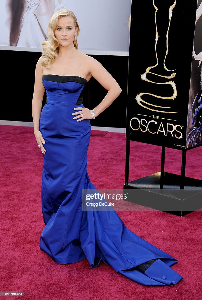 Actress <a gi-track='captionPersonalityLinkClicked' href=/galleries/search?phrase=Reese+Witherspoon&family=editorial&specificpeople=201577 ng-click='$event.stopPropagation()'>Reese Witherspoon</a> arrives at the Oscars at Hollywood & Highland Center on February 24, 2013 in Hollywood, California.