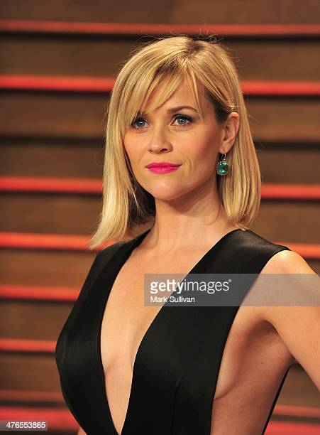 Actress Reese Witherspoon arrives for the 2014 Vanity Fair Oscar Party hosted by Graydon Carter on March 2 2014 in West Hollywood California