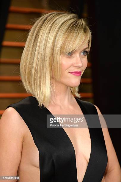 Actress Reese Witherspoon attends the 2014 Vanity Fair Oscar Party hosted by Graydon Carter on March 2 2014 in West Hollywood California