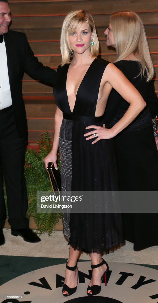 Actress <a gi-track='captionPersonalityLinkClicked' href=/galleries/search?phrase=Reese+Witherspoon&family=editorial&specificpeople=201577 ng-click='$event.stopPropagation()'>Reese Witherspoon</a> attends the 2014 Vanity Fair Oscar Party hosted by Graydon Carter on March 2, 2014 in West Hollywood, California.
