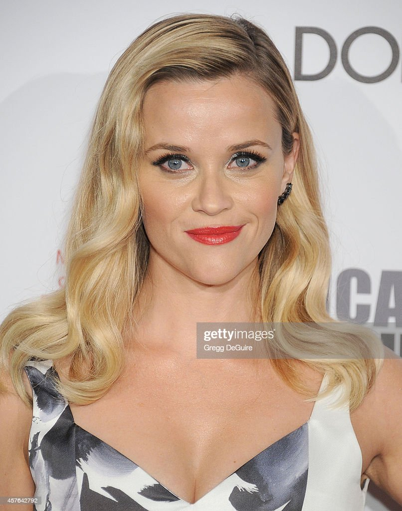 Actress <a gi-track='captionPersonalityLinkClicked' href=/galleries/search?phrase=Reese+Witherspoon&family=editorial&specificpeople=201577 ng-click='$event.stopPropagation()'>Reese Witherspoon</a> attends the 28th American Cinematheque Award honoring Matthew McConaughey at The Beverly Hilton Hotel on October 21, 2014 in Beverly Hills, California.