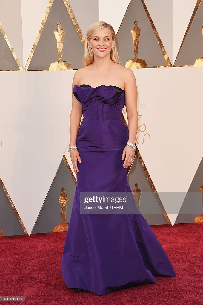 Actress <a gi-track='captionPersonalityLinkClicked' href=/galleries/search?phrase=Reese+Witherspoon&family=editorial&specificpeople=201577 ng-click='$event.stopPropagation()'>Reese Witherspoon</a> attends the 88th Annual Academy Awards at Hollywood & Highland Center on February 28, 2016 in Hollywood, California.