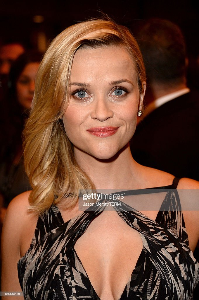 Actress <a gi-track='captionPersonalityLinkClicked' href=/galleries/search?phrase=Reese+Witherspoon&family=editorial&specificpeople=201577 ng-click='$event.stopPropagation()'>Reese Witherspoon</a> attends 'The Devil's Knot' premiere during the 2013 Toronto International Film Festival at The Elgin on September 8, 2013 in Toronto, Canada.