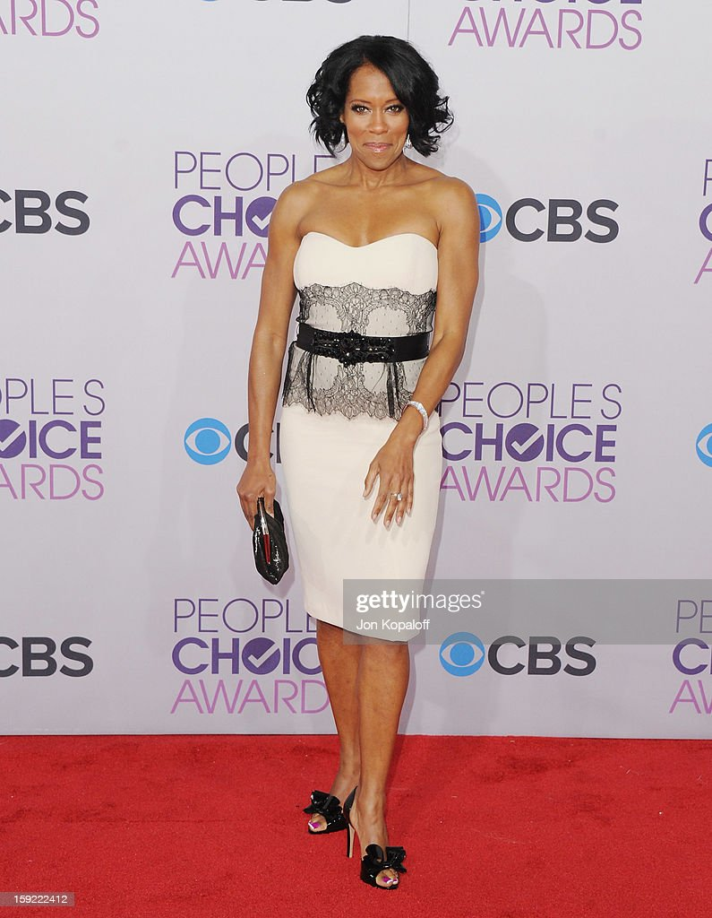 Actress Regina King arrives at the 2013 People's Choice Awards at Nokia Theatre L.A. Live on January 9, 2013 in Los Angeles, California.