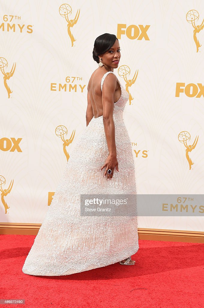 Actress <a gi-track='captionPersonalityLinkClicked' href=/galleries/search?phrase=Regina+King&family=editorial&specificpeople=202510 ng-click='$event.stopPropagation()'>Regina King</a> attends the 67th Annual Primetime Emmy Awards at Microsoft Theater on September 20, 2015 in Los Angeles, California.