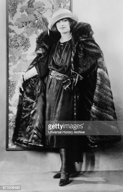Actress Regina Quinn Fashion Portrait in SatinLined Fitch Coat Bain News Service 1921