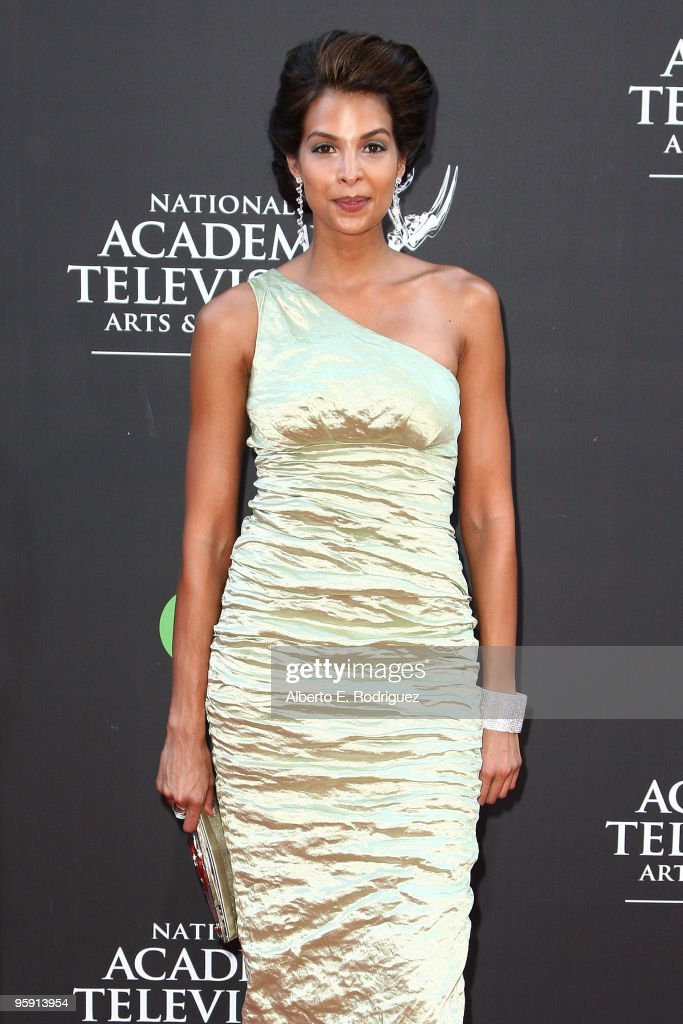 Actress Renee Jones arrives at the 36th Annual Daytime Emmy Awards at The Orpheum Theatre on August 30, 2009 in Los Angeles, California.