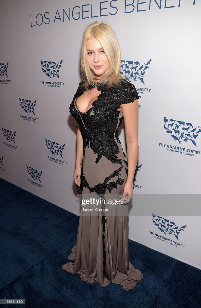 Actress Renee Olstead attends The Humane Society Of The United States' Los Angeles Benefit Gala at the Beverly Wilshire Hotel on May 16 2015 in...