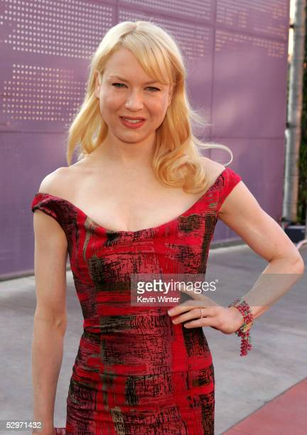 Actress Renee Zellweger arrives at the premiere of 'Cinderella Man' at Gibson Amphitheatre at Universal CityWalk on May 23 2005 in Universal City...