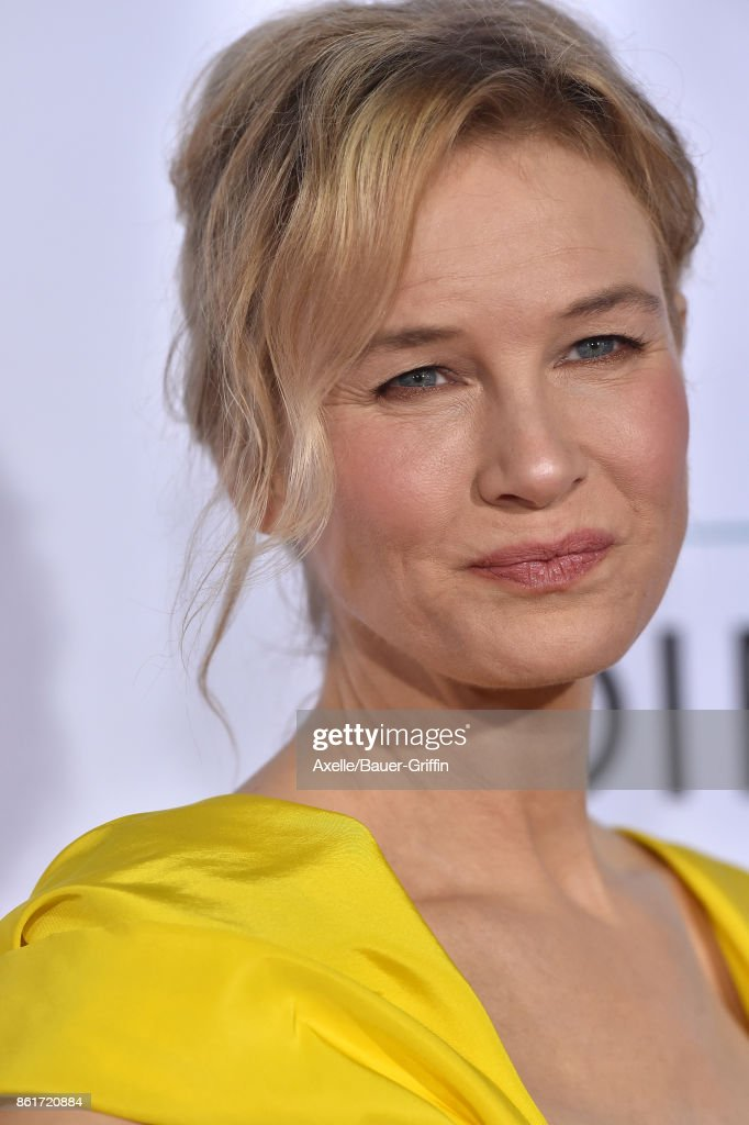 Actress Renee Zellweger arrives at the premiere of 'Same Kind of Different as Me' at Westwood Village Theatre on October 12, 2017 in Westwood, California.