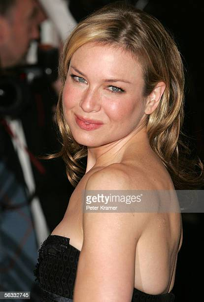 Actress Renee Zellweger arrives to the Museum Of The Moving Image Salute To Ron Howard at the WaldorfAstoria December 4 2005 in New York City