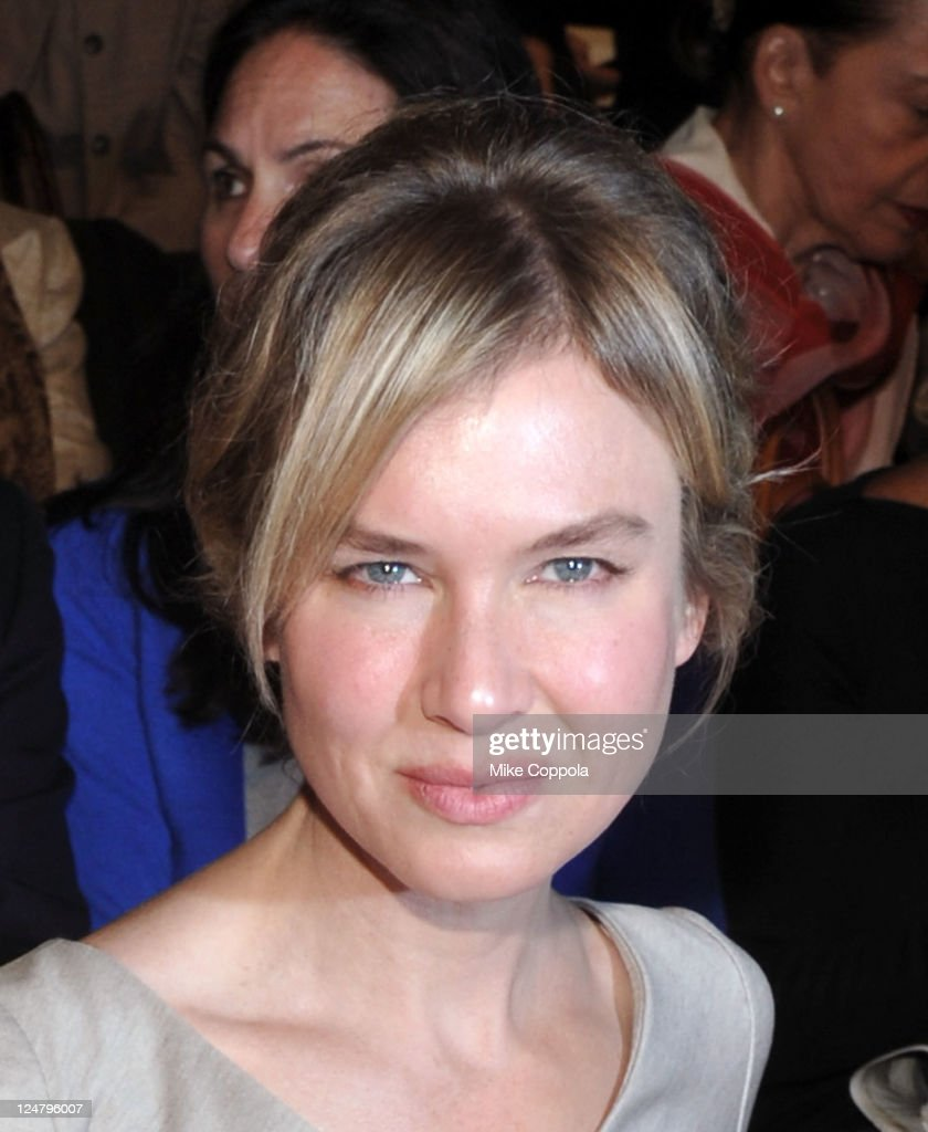 Actress <a gi-track='captionPersonalityLinkClicked' href=/galleries/search?phrase=Renee+Zellweger&family=editorial&specificpeople=171818 ng-click='$event.stopPropagation()'>Renee Zellweger</a> attends the Carolina Herrera Spring 2012 fashion show during Mercedes-Benz Fashion Week at The Theater at Lincoln Center on September 12, 2011 in New York City.