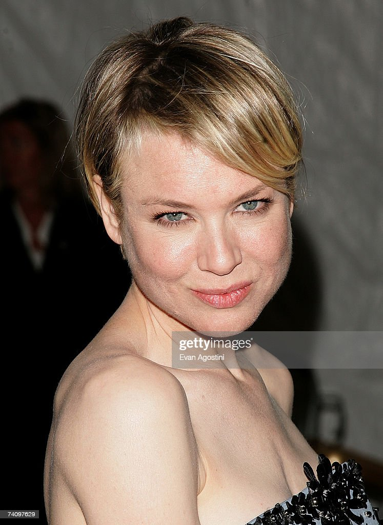 Actress Renee Zellweger leaving The Metropolitan Museum of Art's Costume Institute Gala May 07, 2007 in New York City.