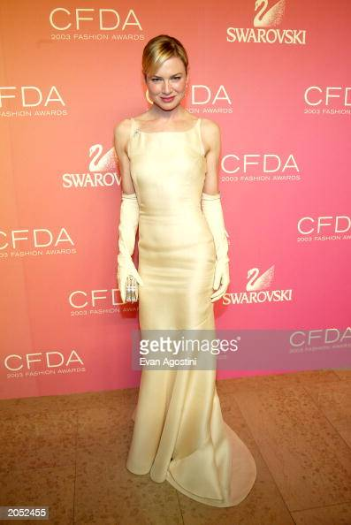Actress Renee Zellweger poses backstage at the '2003 CFDA Fashion Awards' at the New York Public Library on June 2 2003 in New York City The '2003...