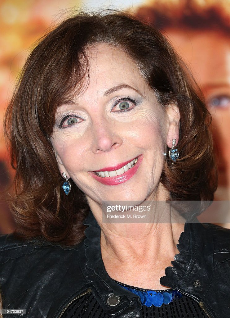 Actress <a gi-track='captionPersonalityLinkClicked' href=/galleries/search?phrase=Rita+Rudner&family=editorial&specificpeople=540281 ng-click='$event.stopPropagation()'>Rita Rudner</a> attends the Premiere of Disney's 'Saving Mr. Banks' at Walt Disney Studios on December 9, 2013 in Burbank, California.