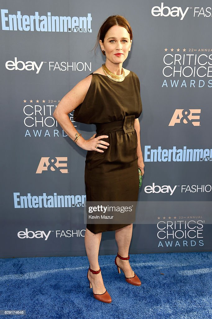 actress-robin-tunney-attends-the-22nd-annual-critics-choice-awards-at-picture-id629174646