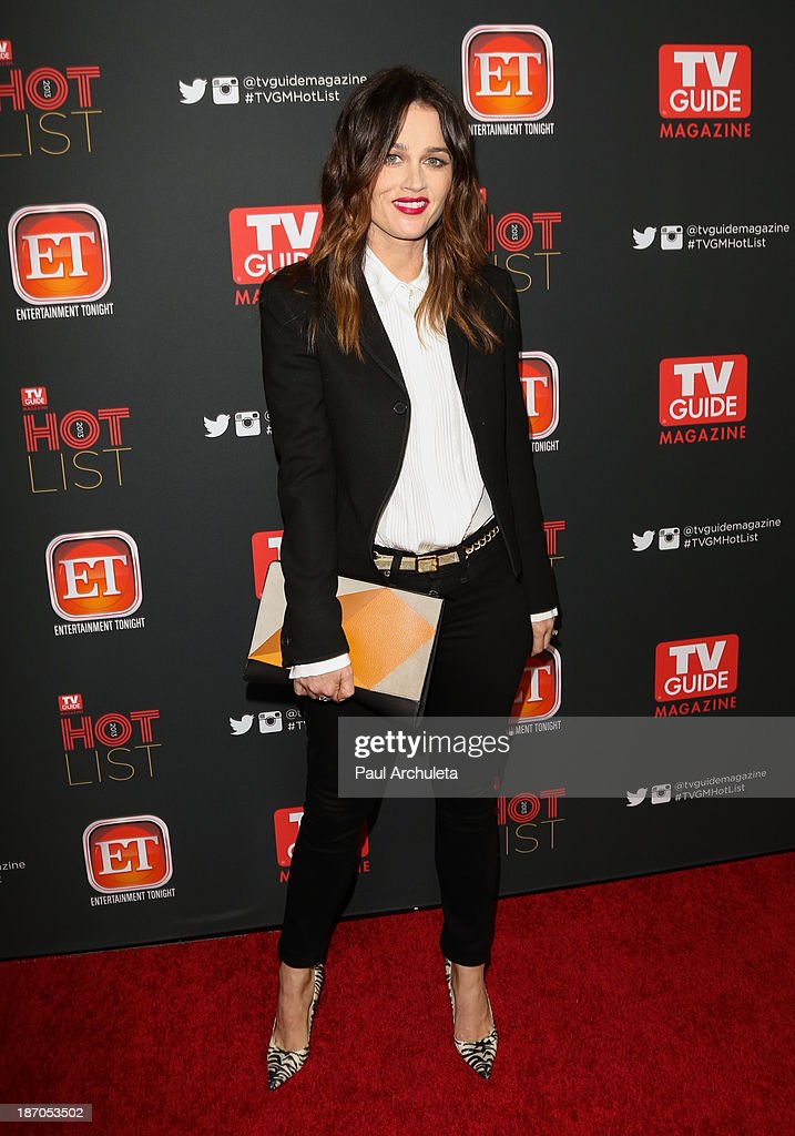 Actress <a gi-track='captionPersonalityLinkClicked' href=/galleries/search?phrase=Robin+Tunney&family=editorial&specificpeople=217771 ng-click='$event.stopPropagation()'>Robin Tunney</a> attends TV Guide magazine's annual Hot List Party at The Emerson Theatre on November 4, 2013 in Hollywood, California.