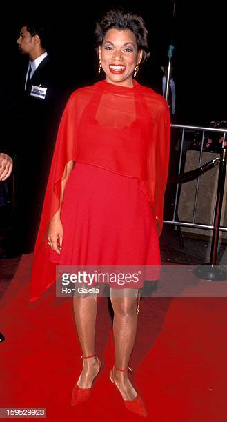 Actress Rolonda Watts attends the world premiere of Mary Shelley's 'Frankenstein' on November 1 1994 at the Cineplex Odeon Cinema in Century City...