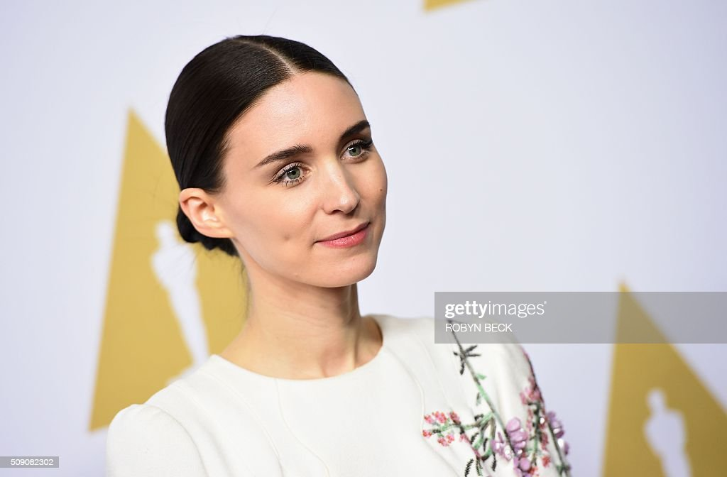 Actress Rooney Mara arrives at the 88th Oscar Nominees Luncheon in Beverly Hills, California, February 8, 2016. / AFP / ROBYN BECK