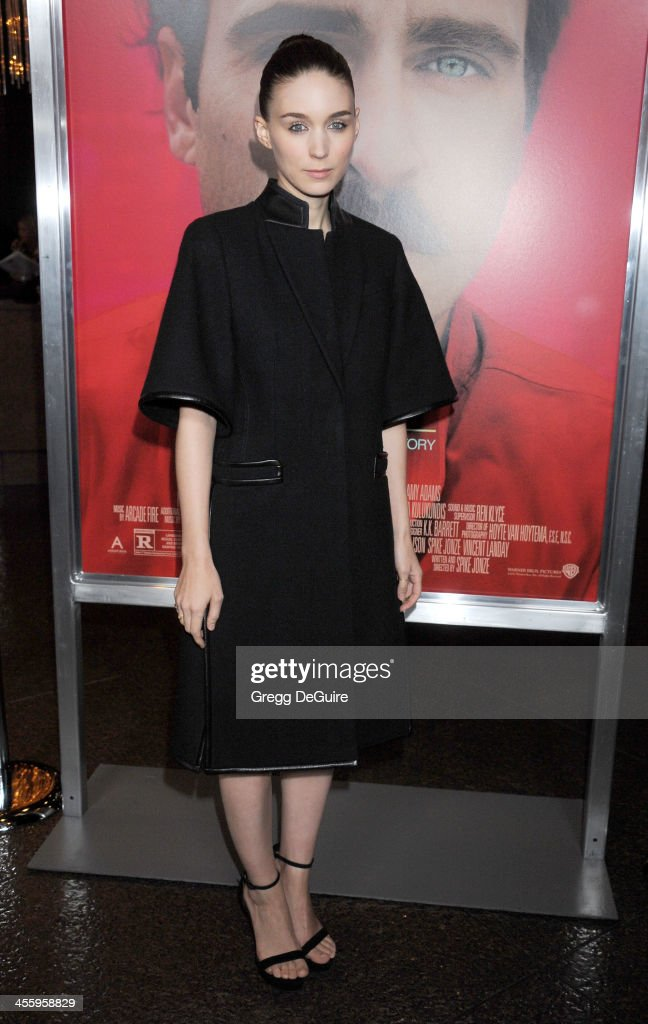 Actress <a gi-track='captionPersonalityLinkClicked' href=/galleries/search?phrase=Rooney+Mara&family=editorial&specificpeople=5669181 ng-click='$event.stopPropagation()'>Rooney Mara</a> arrives at the Los Angeles premiere of 'Her' at Directors Guild Of America on December 12, 2013 in Los Angeles, California.