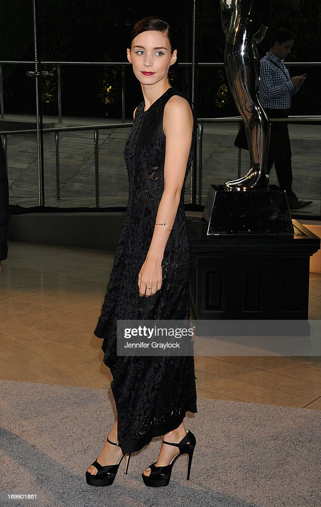 Actress <a gi-track='captionPersonalityLinkClicked' href=/galleries/search?phrase=Rooney+Mara&family=editorial&specificpeople=5669181 ng-click='$event.stopPropagation()'>Rooney Mara</a> attends 2013 CFDA FASHION AWARDS underwritten by Swarovski at Lincoln Center on June 3, 2013 in New York City.