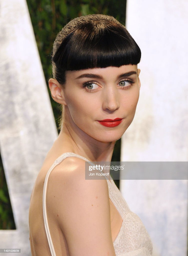 Actress Rooney Mara attends the 2012 Vanity Fair Oscar Party at Sunset Tower on February 26, 2012 in West Hollywood, California.