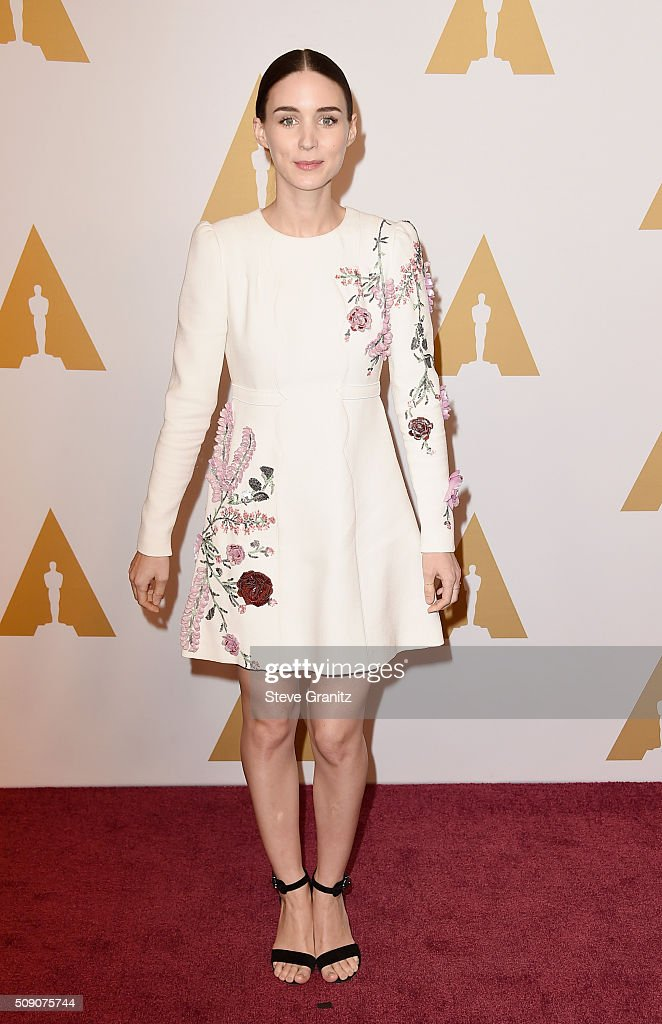Actress <a gi-track='captionPersonalityLinkClicked' href=/galleries/search?phrase=Rooney+Mara&family=editorial&specificpeople=5669181 ng-click='$event.stopPropagation()'>Rooney Mara</a> attends the 88th Annual Academy Awards nominee luncheon on February 8, 2016 in Beverly Hills, California.