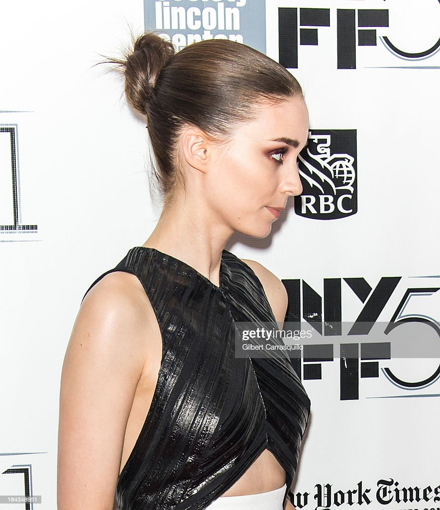 Actress <a gi-track='captionPersonalityLinkClicked' href=/galleries/search?phrase=Rooney+Mara&family=editorial&specificpeople=5669181 ng-click='$event.stopPropagation()'>Rooney Mara</a> attends the Closing Night Gala Presentation Of 'Her' during the 51st New York Film Festival at Alice Tully Hall at Lincoln Center on October 12, 2013 in New York City.
