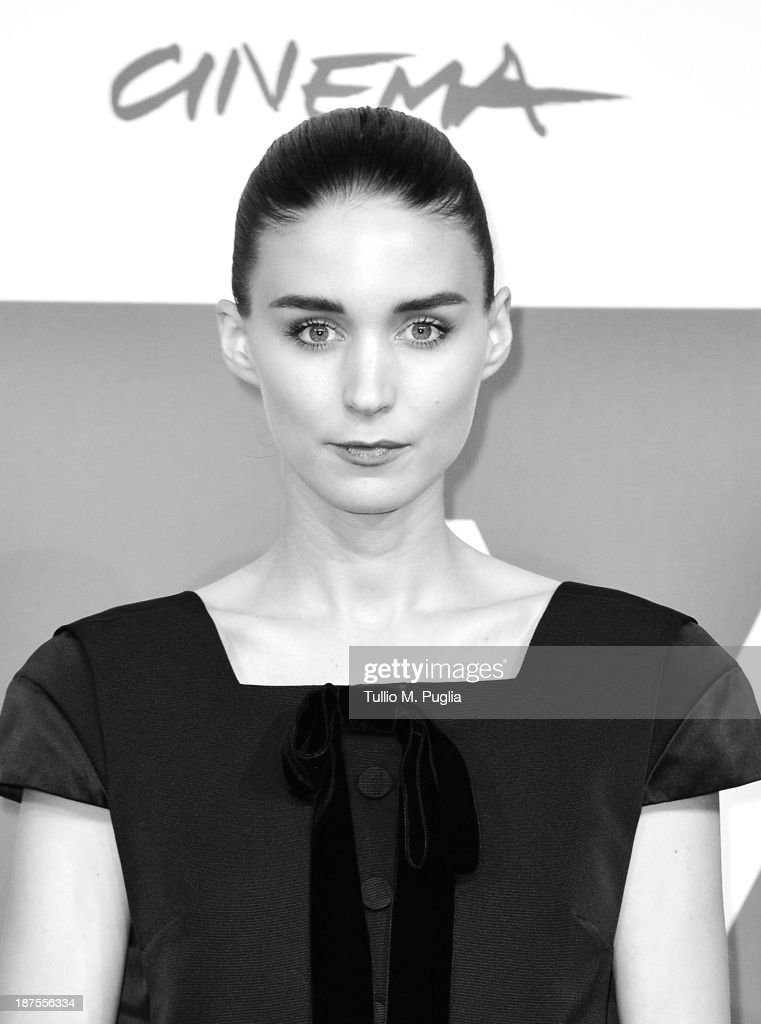 Actress <a gi-track='captionPersonalityLinkClicked' href=/galleries/search?phrase=Rooney+Mara&family=editorial&specificpeople=5669181 ng-click='$event.stopPropagation()'>Rooney Mara</a> attends the 'Her' Photocall during the 8th Rome Film Festival at the Auditorium Parco Della Musica on November 10, 2013 in Rome, Italy.