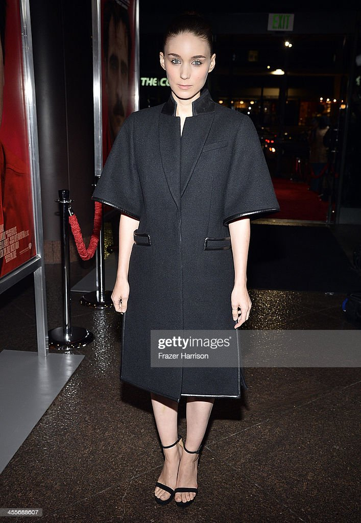 Actress <a gi-track='captionPersonalityLinkClicked' href=/galleries/search?phrase=Rooney+Mara&family=editorial&specificpeople=5669181 ng-click='$event.stopPropagation()'>Rooney Mara</a> attends the premiere of Warner Bros. Pictures 'Her' at DGA Theater on December 12, 2013 in Los Angeles, California.