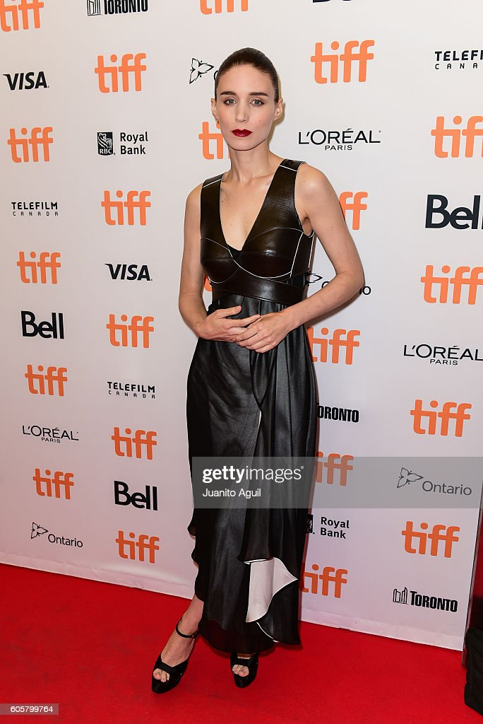 actress-rooney-mara-attends-the-una-premiere-during-the-2016-toronto-picture-id605799764