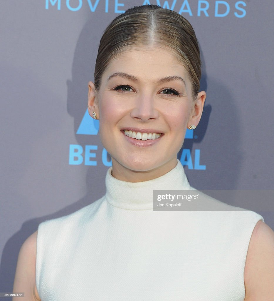 Actress Rosamund Pike arrives at the 20th Annual Critics' Choice Movie Awards at Hollywood Palladium on January 15, 2015 in Los Angeles, California.