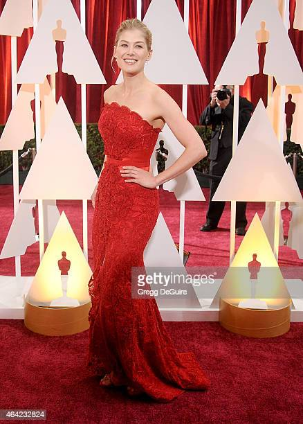 Actress Rosamund Pike arrives at the 87th Annual Academy Awards at Hollywood Highland Center on February 22 2015 in Hollywood California