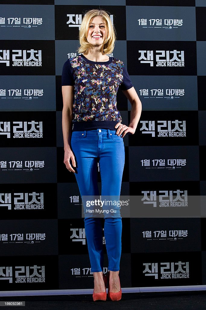 Actress <a gi-track='captionPersonalityLinkClicked' href=/galleries/search?phrase=Rosamund+Pike&family=editorial&specificpeople=208910 ng-click='$event.stopPropagation()'>Rosamund Pike</a> attends the 'Jack Reacher' press conference at Conrad Hotel on January 10, 2013 in Seoul, South Korea. The film will open on January 17 in South Korea.