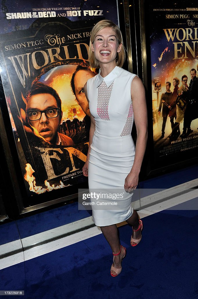 Actress <a gi-track='captionPersonalityLinkClicked' href=/galleries/search?phrase=Rosamund+Pike&family=editorial&specificpeople=208910 ng-click='$event.stopPropagation()'>Rosamund Pike</a> attends the World Premiere of The World's End at Empire Leicester Square on July 10, 2013 in London, England.