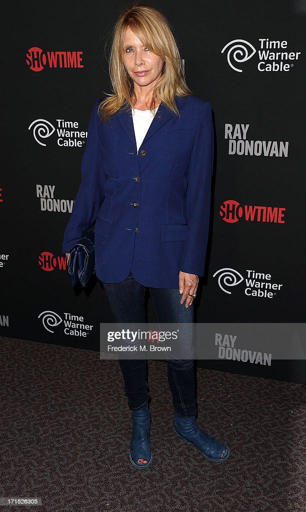 Actress <a gi-track='captionPersonalityLinkClicked' href=/galleries/search?phrase=Rosanna+Arquette&family=editorial&specificpeople=206134 ng-click='$event.stopPropagation()'>Rosanna Arquette</a> attends Showtime's new series premiere of 'Ray Donovan' at the Directors Guild of America on June 25, 2013 in Los Angeles, California.