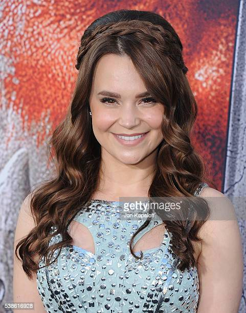 Actress Rosanna Pansino arrives at the Los Angeles Premiere 'Warcraft' at TCL Chinese Theatre IMAX on June 6 2016 in Hollywood California