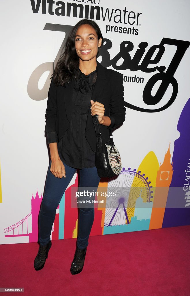 Actress <a gi-track='captionPersonalityLinkClicked' href=/galleries/search?phrase=Rosario+Dawson&family=editorial&specificpeople=201472 ng-click='$event.stopPropagation()'>Rosario Dawson</a> arrives as Glaceau vitaminwater presents 'Jessie J Live In London' at The Roundhouse on August 4, 2012 in London, England.