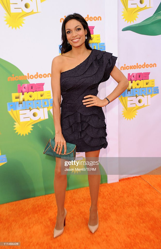 Actress Rosario Dawson arrives at Nickelodeon's 24th Annual Kids' Choice Awards at Galen Center on April 2, 2011 in Los Angeles, California.