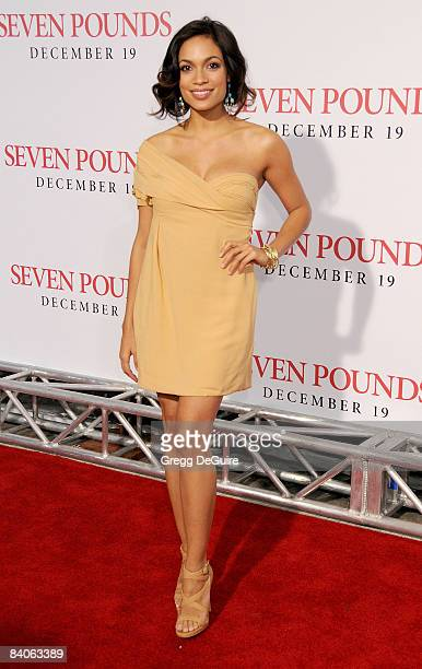 Actress Rosario Dawson arrives at the Los Angeles premiere of 'Seven Pounds' at the Mann Village Theatre on December 16 2008 in Los Angeles California