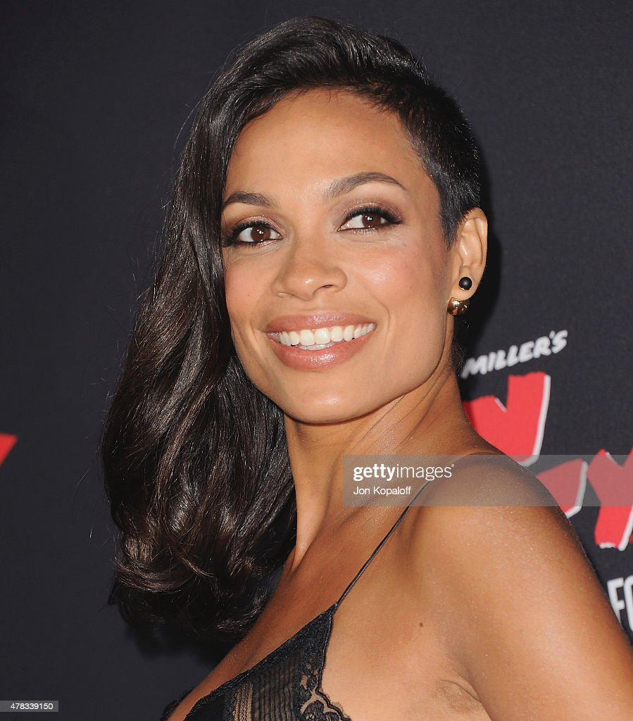 Actress <a gi-track='captionPersonalityLinkClicked' href=/galleries/search?phrase=Rosario+Dawson&family=editorial&specificpeople=201472 ng-click='$event.stopPropagation()'>Rosario Dawson</a> arrives at the Los Angeles Premiere 'Sin City: A Dame To Kill For' at TCL Chinese Theatre on August 19, 2014 in Hollywood, California.