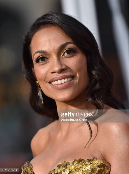 Actress Rosario Dawson arrives at the premiere of Warner Bros Pictures' 'Unforgettable' at TCL Chinese Theatre on April 18 2017 in Hollywood...